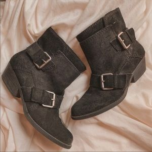 Nine West vintage collection suede buckle booties